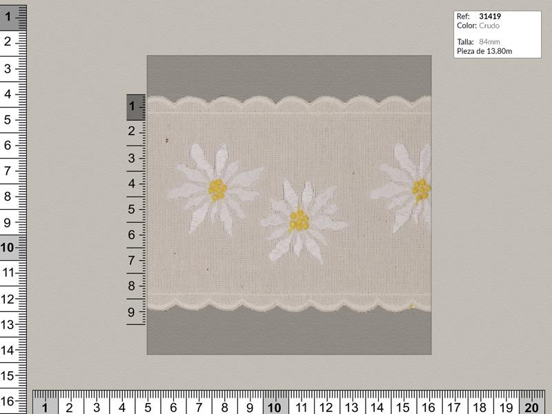 Tira bordada, Familia 31419, beige con flores en blanco, ref 31419