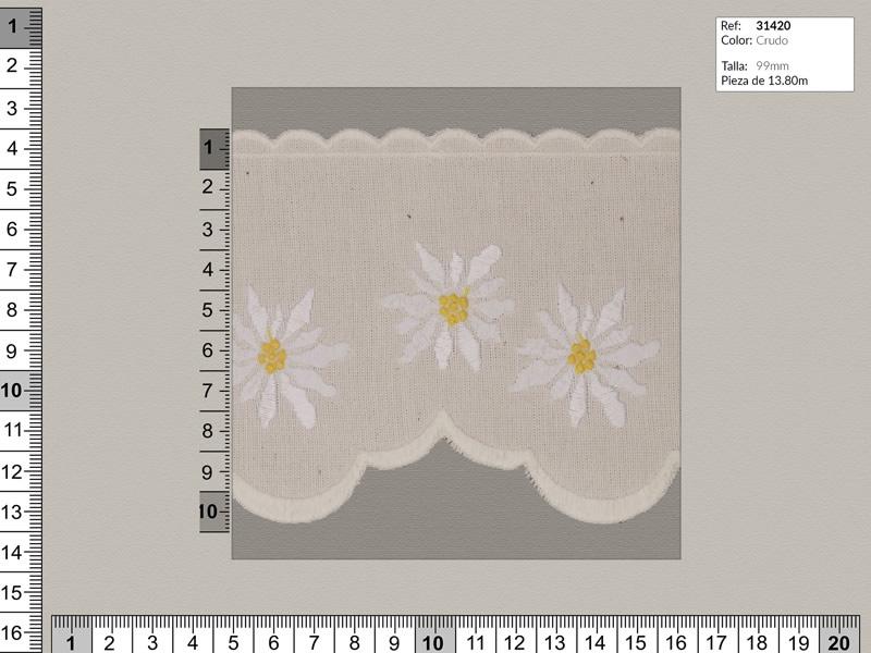 Tira bordada, Familia 31419, beige con flores en blanco, ref 31420